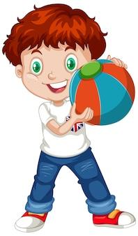 Garçon mignon tenant une boule de couleur