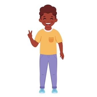 Garçon noir avec des accolades sur les dents élève de l'école primaire