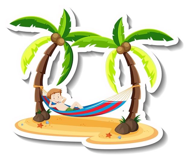 Un garçon portant sur le berceau à la plage