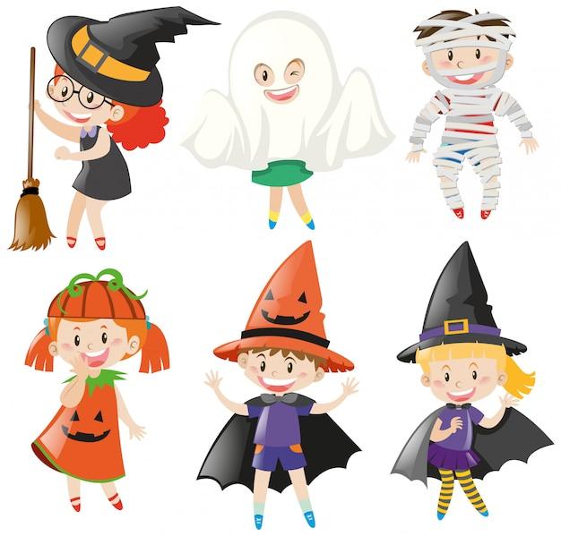 Garçons et filles en costumes d'halloween