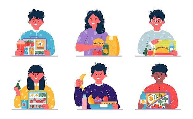 Garçons et filles prenant le petit-déjeuner ou le déjeuner. les enfants, les gens qui mangent, boivent des aliments divers, des boissons. boîtes à lunch pour enfants avec repas, hamburger, sandwich, jus, collations, fruits, légumes.vector