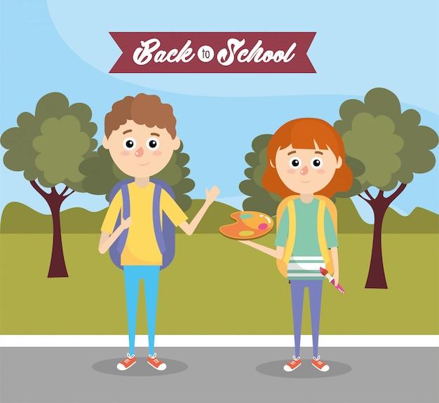 Garçons et filles avec sac à dos et palette avec pinceau