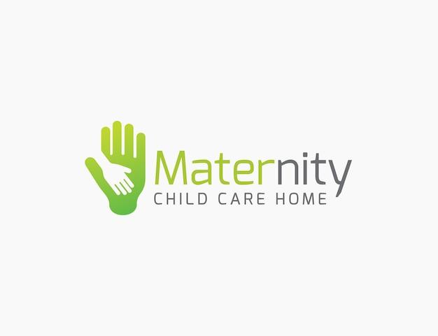 Garde d'enfants maternité maison logo