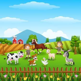 Les gardiens de zoo gardent les animaux à la ferme