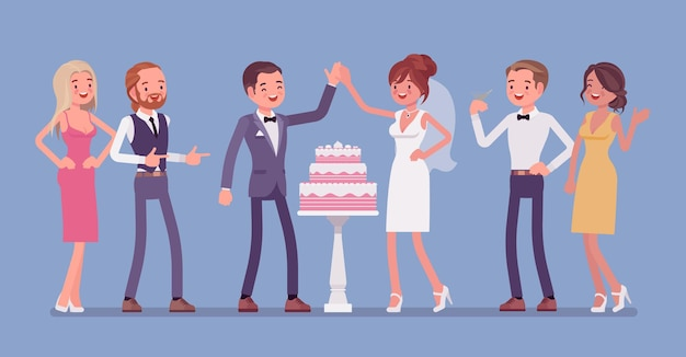Gâteau de mariage en trois niveaux servi pour les jeunes mariés à la réception