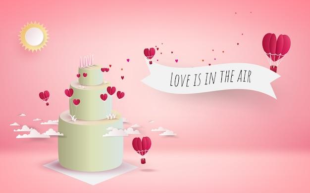 Gâteau de la saint-valentin avec des coeurs rouges