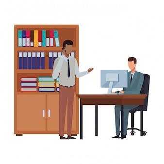 Gens d'affaires et éléments de bureau