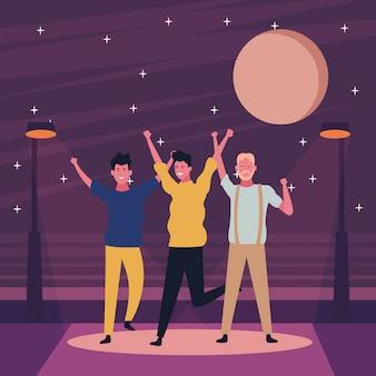 Les gens dansent et s'amusent