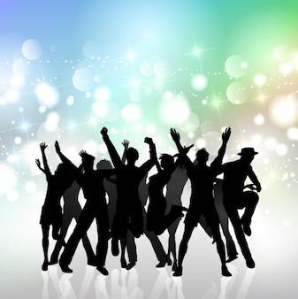 Les gens dansent des silhouettes