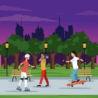 Gens, faire, activités, parc ville, brench, lampe, projecteur, arbres, nuit