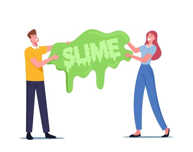Les gens s'amusant à faire du slime concept. joyeux petits personnages masculins et féminins tenant un énorme jouet de gomme à la main gluante, passe-temps de création de slime, détente et loisirs. illustration vectorielle de dessin animé