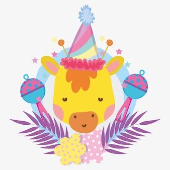 Girafe avec chapeau de fête et hochets pour le baby shower