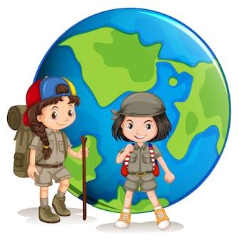 Girl scouts prêts pour la randonnée