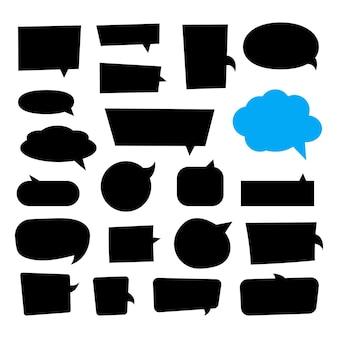 Grand ensemble de boîtes de dialogue différentes variantes dessinées à la main. illustrations vectorielles à plat. collection doodle noir pour parler, dialogue, décoration sur fond blanc.