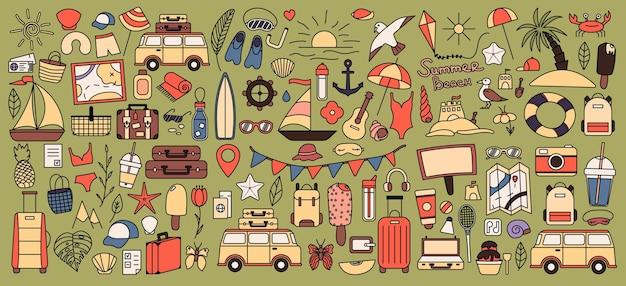 Un grand ensemble avec des choses pour voyager à la montagne et à la mer. ensemble de choses de voyage en vacances. collection d'été. icône de ligne de vecteur. trait modifiable. style de griffonnage.