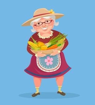 Grand-mère fermier caractère tenir panier avec des légumes