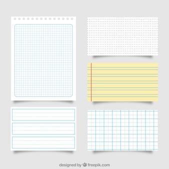 Grand paquet de différentes feuilles de papier