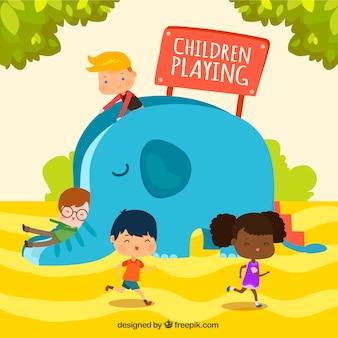 Grande scène des enfants qui jouent dans le parc