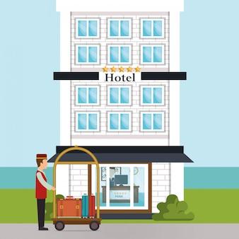 Le groom travaillant dans le personnage de l'hôtel