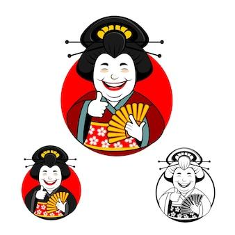 La grosse geisha mignonne sourit