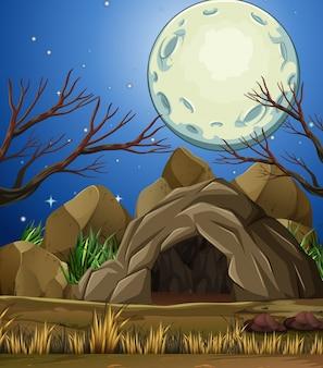 Grotte de pierre sous la lumière de la lune