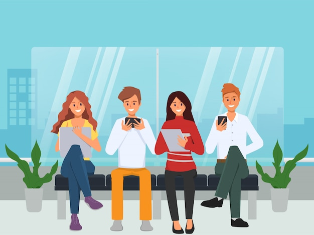 Groupe de discussion communication personnes de médias sociaux avec des gadgets.