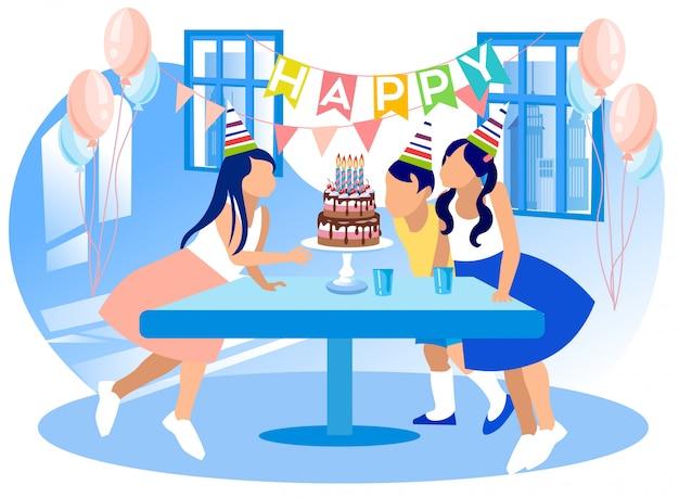 Groupe d'enfants célébrant le joyeux anniversaire.