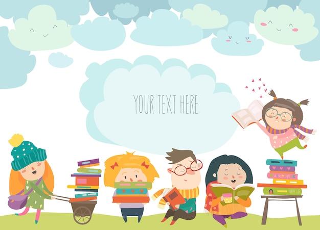 Groupe d'enfants dessinés en lisant des livres