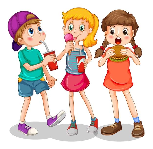 Groupe d'enfants mangeant de la restauration rapide