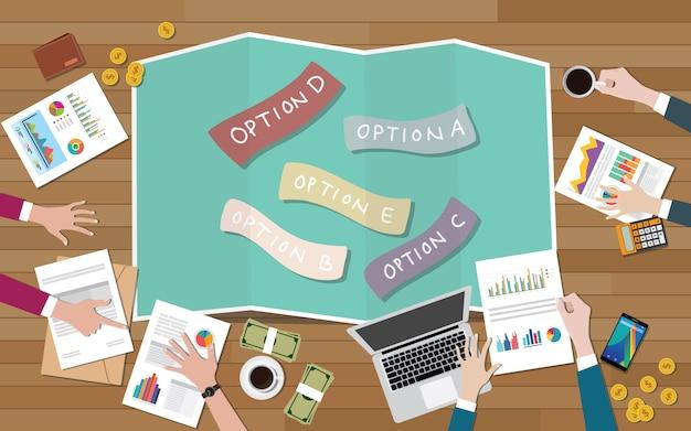 Un groupe d'équipe choisit les options pour décider de meilleures décisions