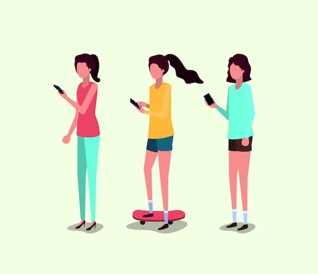 Groupe de filles à l'aide de smartphone