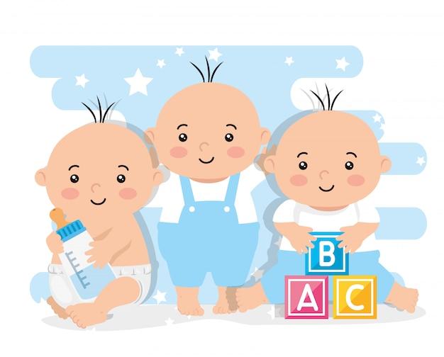 Groupe de garçons mignons petits bébés