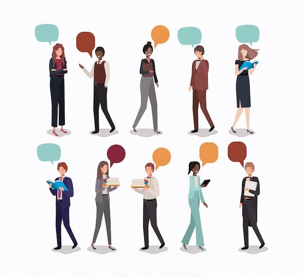 Groupe de gens d'affaires avec bulle de dialogue