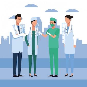 Groupe de médecins debout