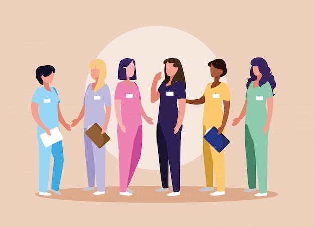 Groupe de médecins femme en uniforme