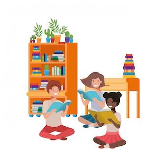 Groupe de personnes assises avec une pile de livres