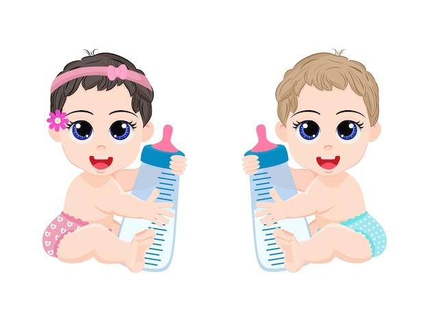 Happy cute kid bébé garçon et fille tenant le chargeur en face isolé sur fond blanc