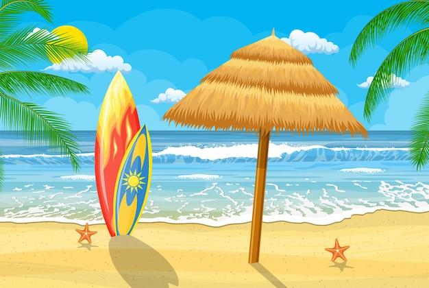 Heure d'été sur la plage avec parasol et planche de surf