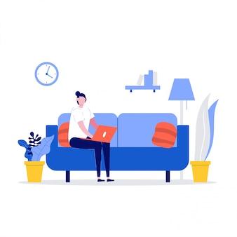 Heureuse femme assise sur un canapé et travaillant avec un ordinateur portable à la maison. freelancer et concept de mode de vie à la maison.