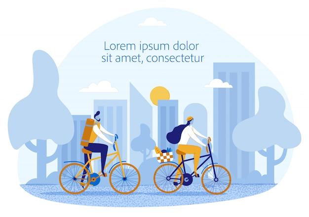 Heureux couple marié va pique-nique à vélo