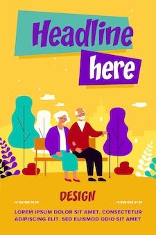 Heureux couple de personnes âgées se détendre dans le parc, assis sur un banc, main dans la main. vieil homme avec canne et femme profitant de temps libre à l'extérieur
