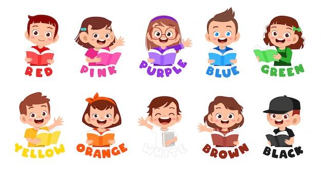 Heureux enfant mignon porter beaucoup de conception de couleur