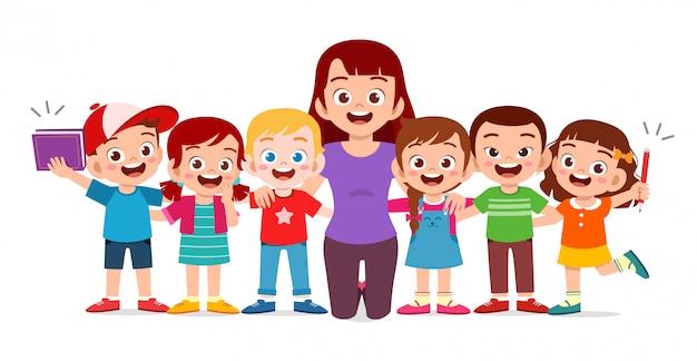 Heureux enfants mignons sourire avec professeur ensemble
