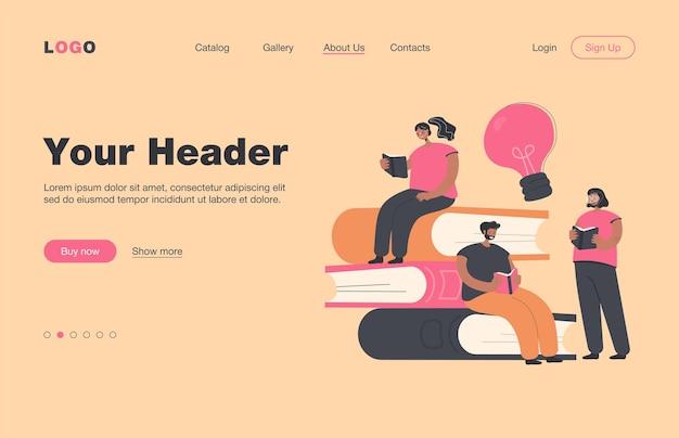 Heureux petits étudiants lisant des livres page de destination plate .. cartoon rat de bibliothèque personnes assis ou debout près de gros tas de livres. concept de bibliothèque et d'éducation