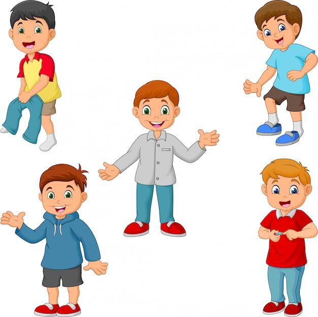 Heureux petits garçons avec différentes activités