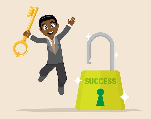 Homme d'affaires africain a ouvert le verrou par une clé.