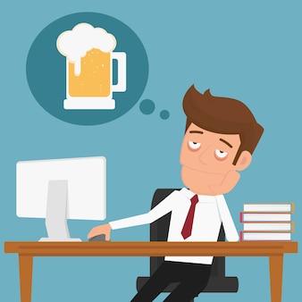Homme d'affaires fatigué, penser à se détendre et la bière