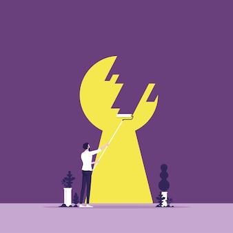 Un homme d'affaires prend des mesures pour trouver une sortie de trou de serrure à travers un mur comme idée de réponse de carrière en gestion créative