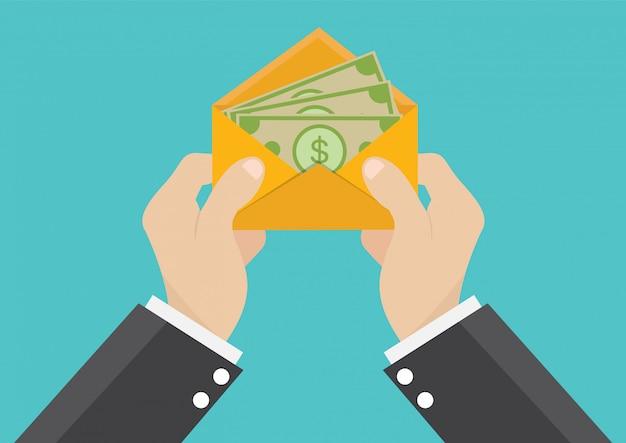 Un homme d'affaires reçoit un salaire