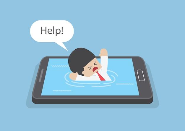 Homme d'affaires s'est noyé ou a coulé dans le smartphone